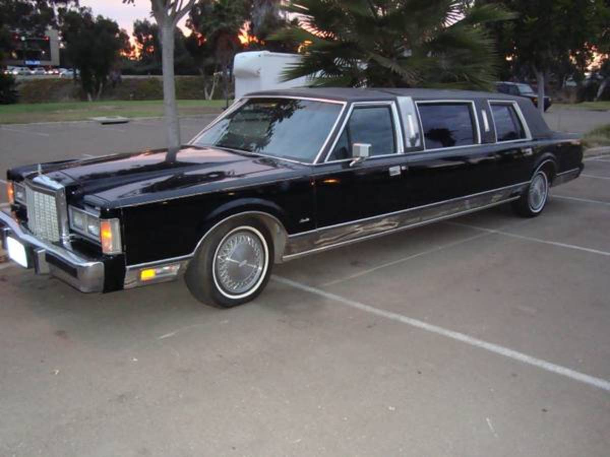 1986 Lincoln Town Car Limo