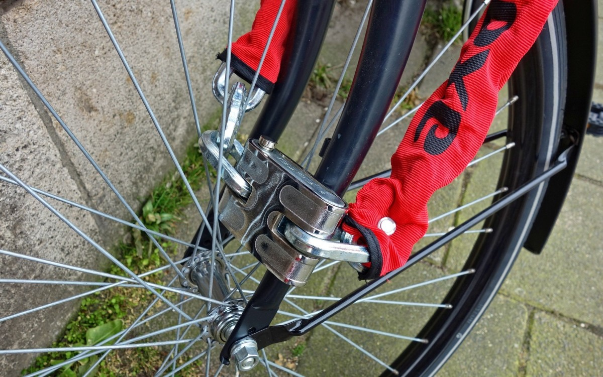 Heavy chain locks can also be broken by cutters which thieves carry along with them.