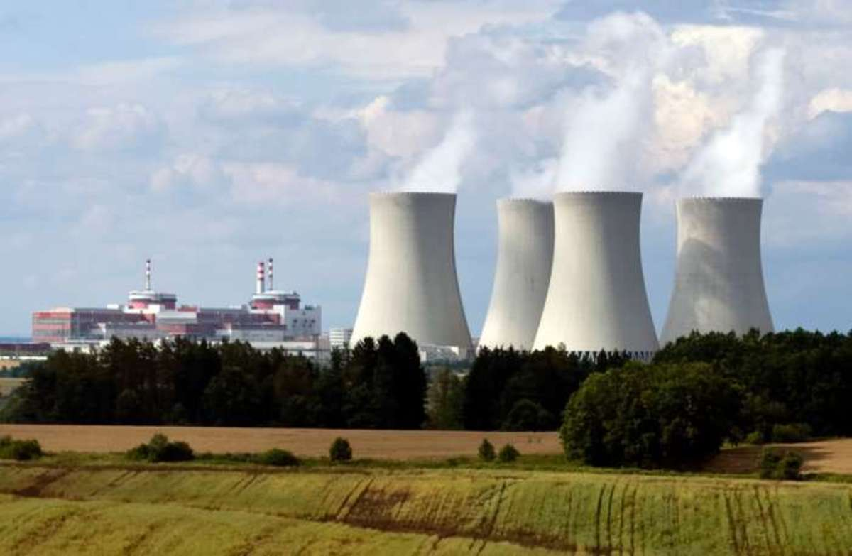 The Temelín Nuclear Power Plant, South Bohemia, Czech Republic, which went into full operation in 2003, using two Russian-designed pressurized-water reactors. © Josef Mohyla/iStock.com
