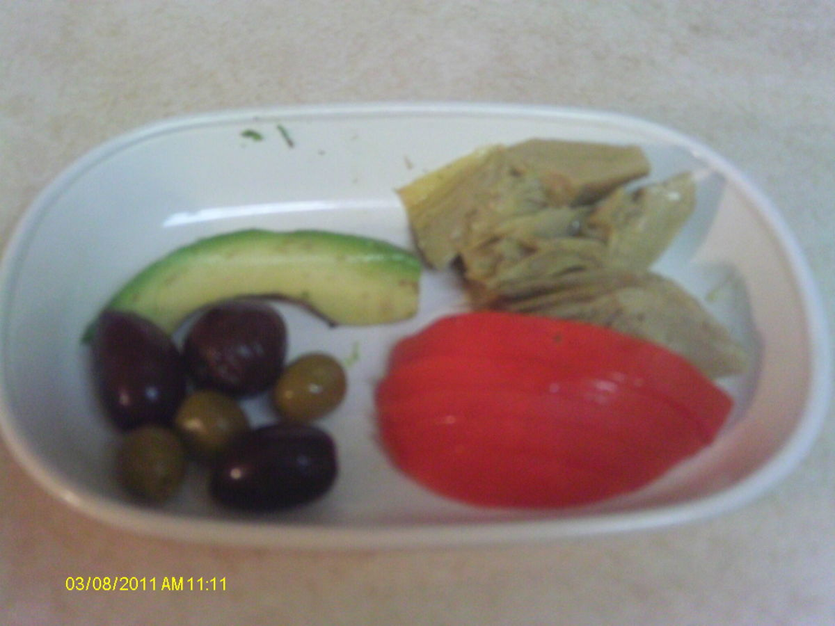 Ingredients: avocado, tomato, artichoke, olives