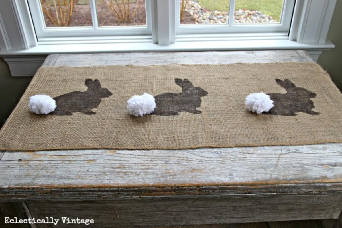 DIY Bunny Rabbit Burlap Runner