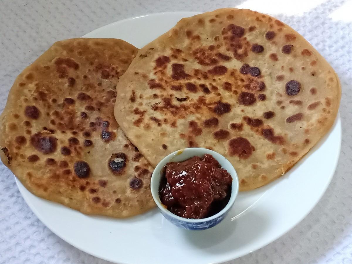 Besan Mooli Paratha