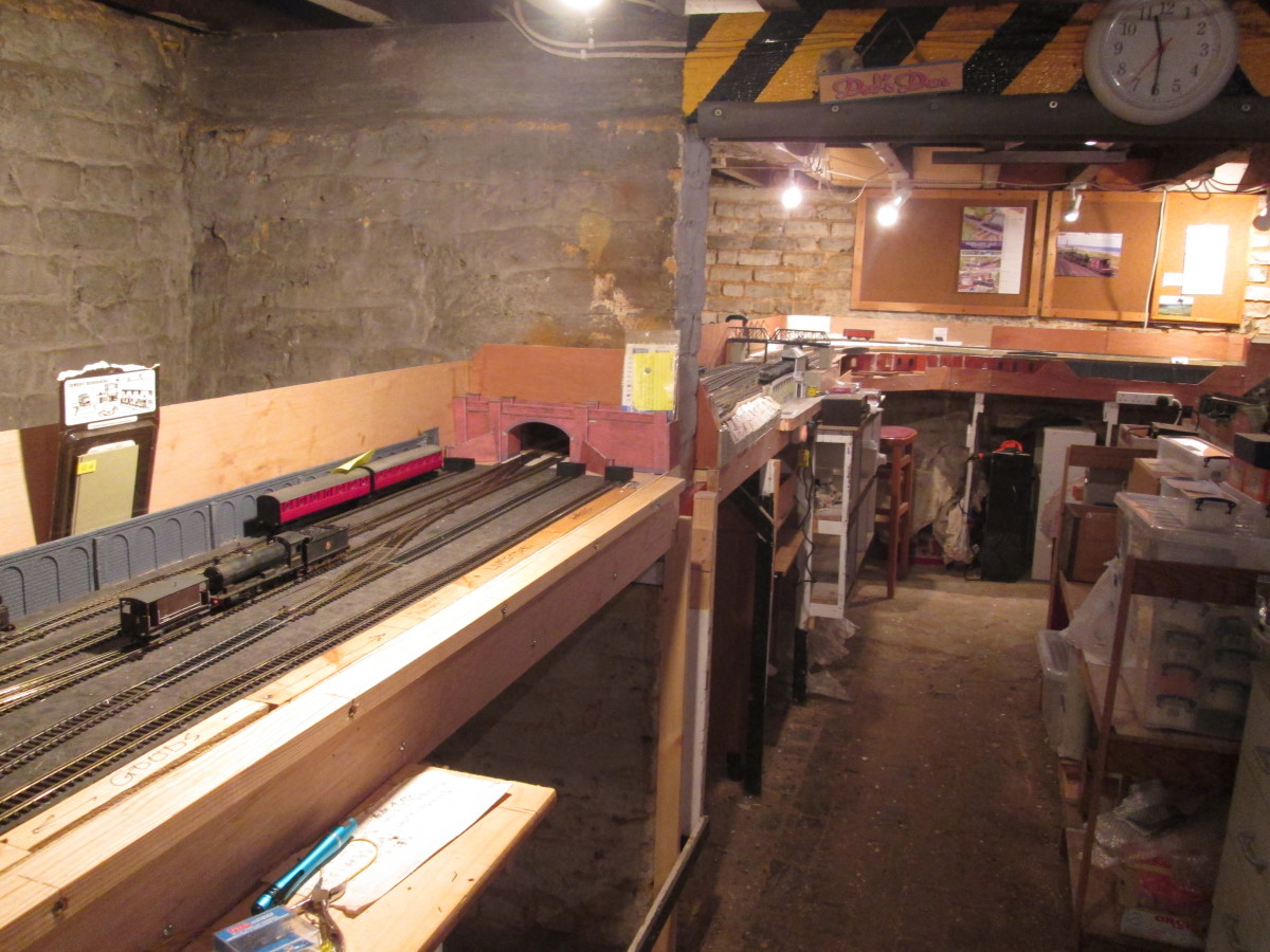 Units 5 back to 4, the view back to Unit 3 and main stock/loco shelving unit
