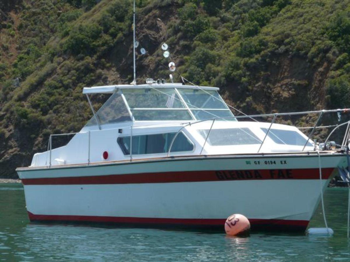 Glenda Fae - 28' Cabin Cruiser