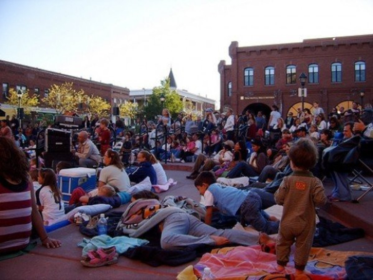 Heritage Square, Flagstaff : Movies on the Square