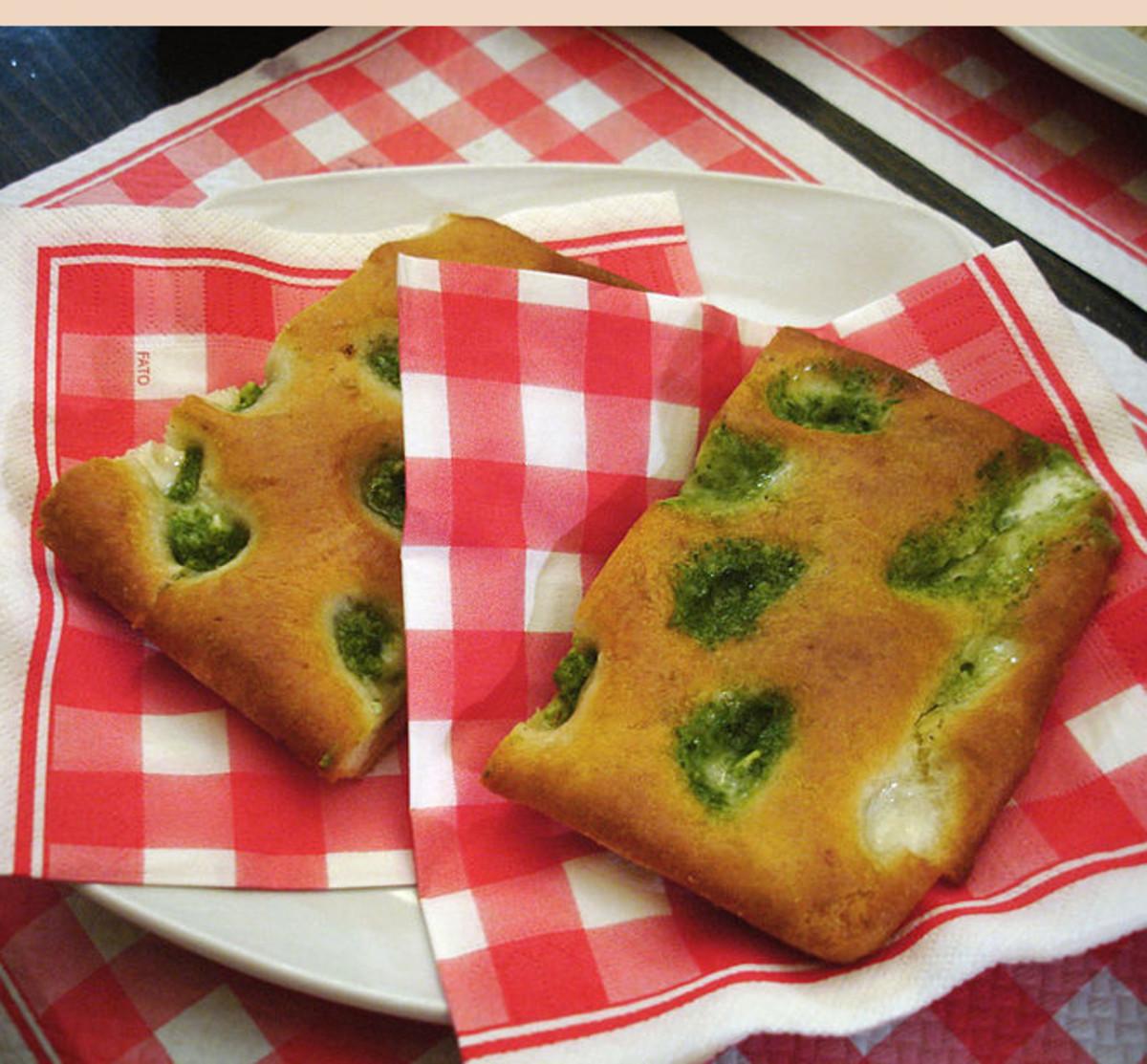 Focaccia Genovese con Pesto (Liguria)