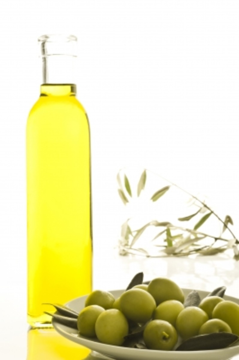 Olive oil and castor oil makes a great cleansing oil for skin that works as a home remedy for dry skin