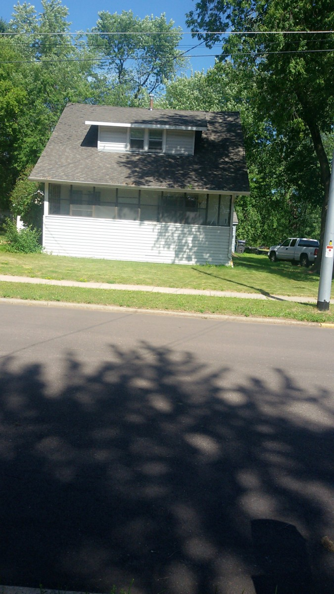 Grandma lived in this white house at 903 N. Walnut Ave. in Marshfield.  This picture taken in July 2018.