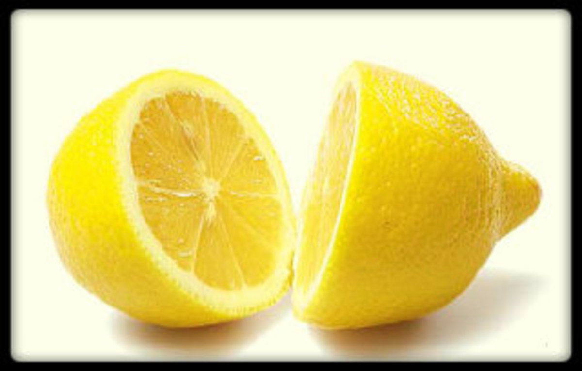 Lemon lowers inflammation and supports detoxifying the body, making it easier for the body to release fats