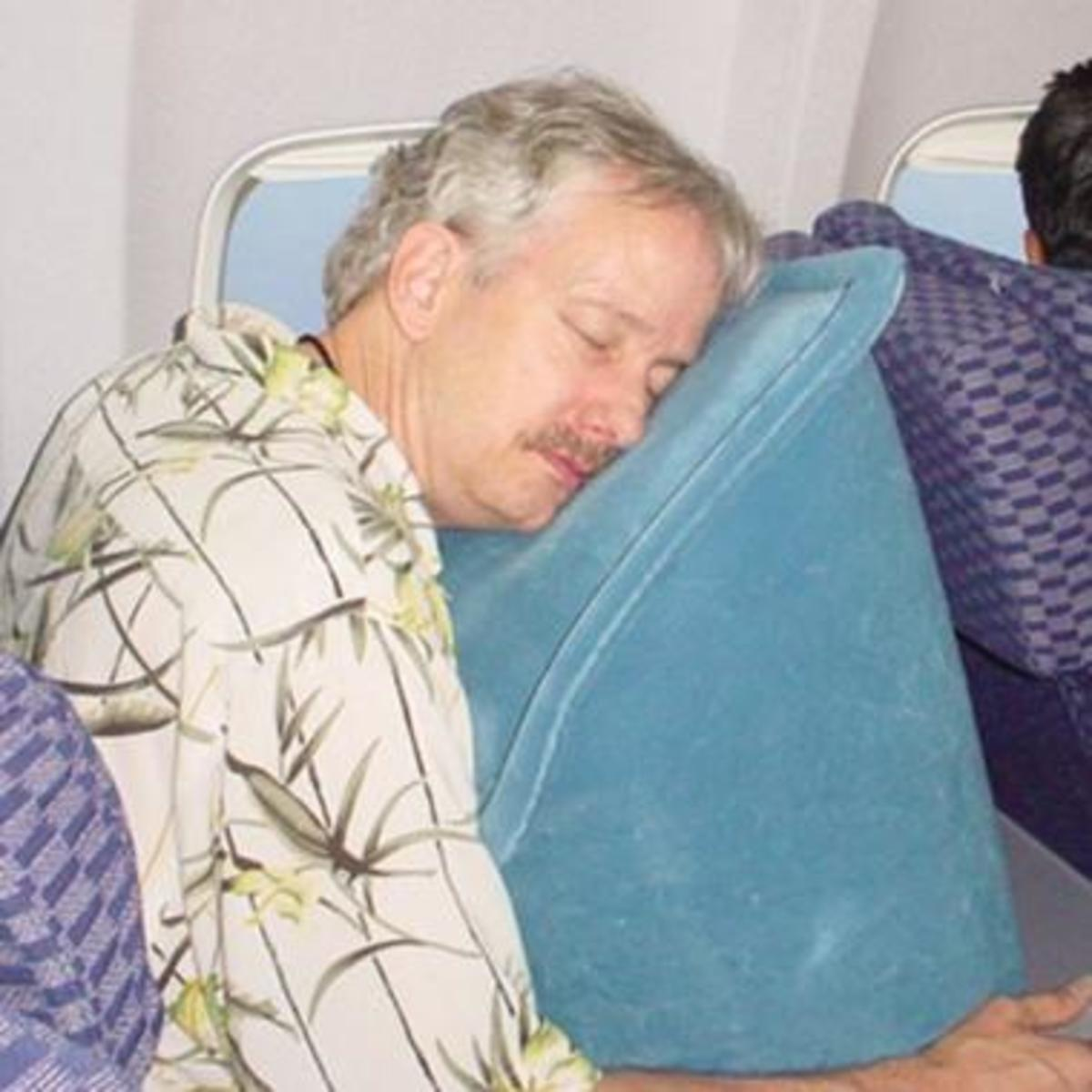 the-best-travel-pillows-car-plane