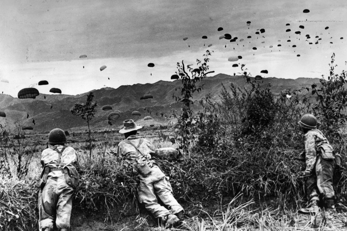 Navarre, French commander at the base, persisted with his plan, and French troops started parachuting into the valley to prepare fortified positions from the end of November 1953.