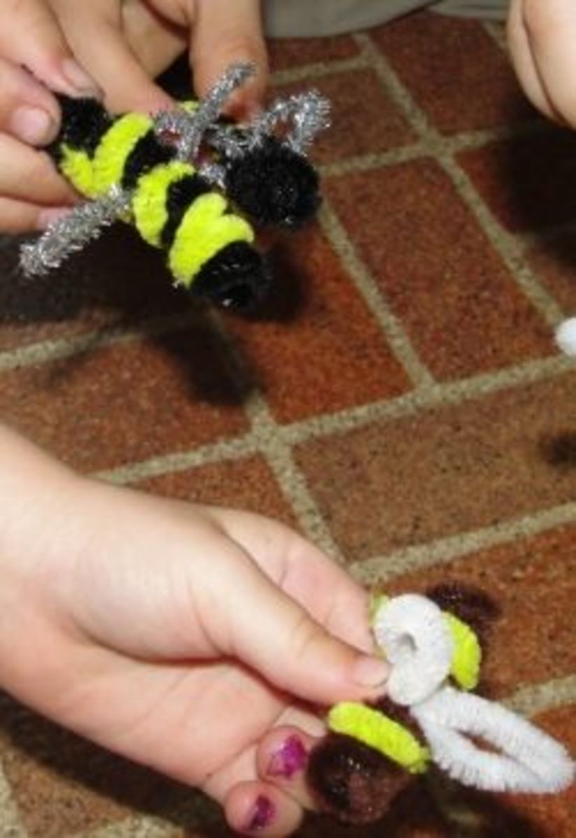 Honeybee Pipe Cleaner Crafts