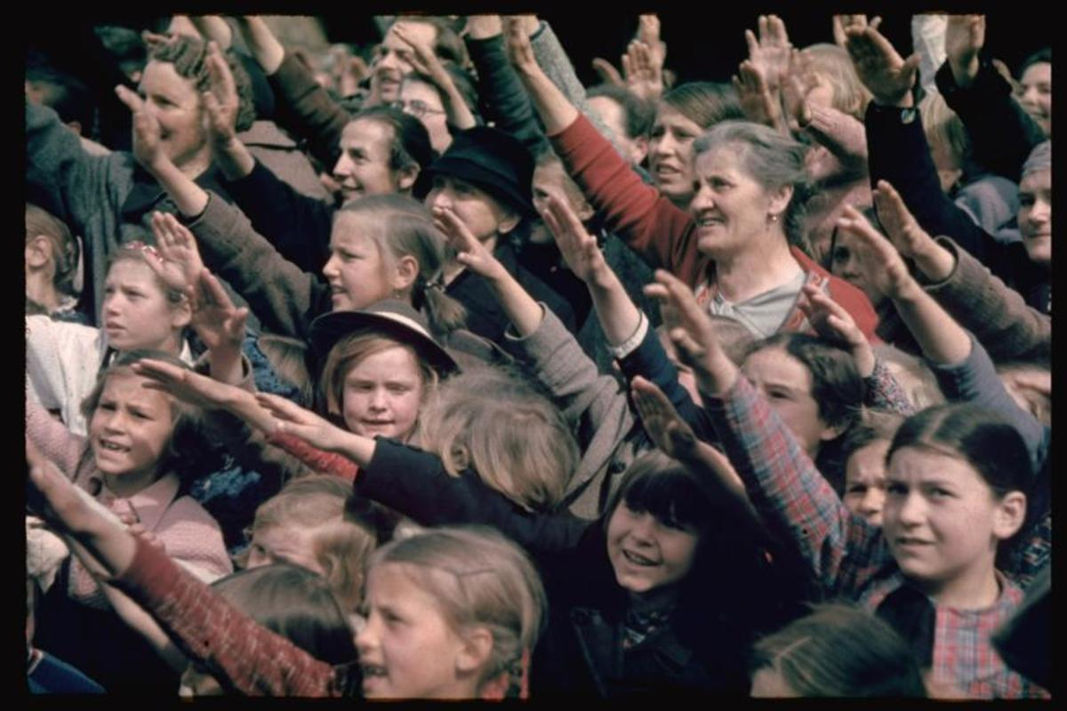 Germans in the early thirties saluting Hitler...