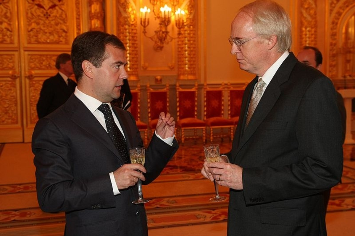 Joseph Beyrle's son Ambassador John Beyrle (right) and Russian President Dimitri Medvedev, after presenting his credentials (September 18, 2008)