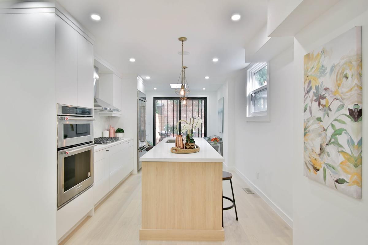 8-ways-to-transform-your-kitchen-with-trending-kitchen-island-designs