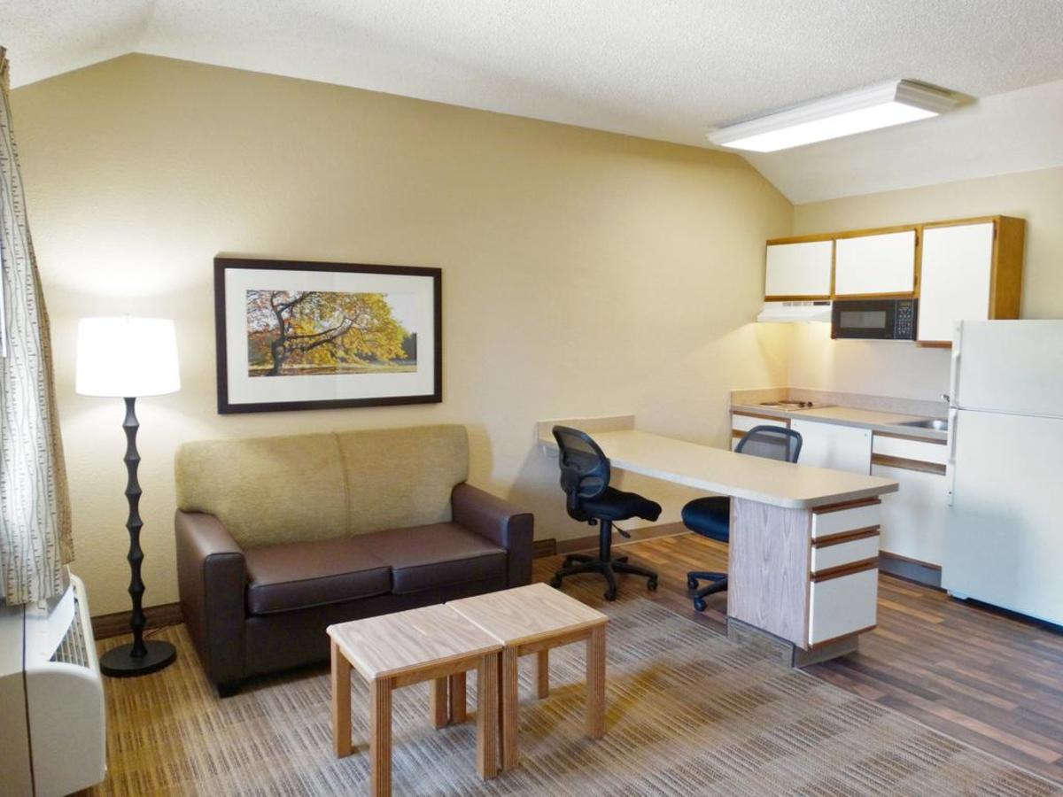 """Consider an Extended Stay Hotel or a Weekly Rental (*note I Do Not Mean """"Extended Stay America"""" brand of hotels)"""