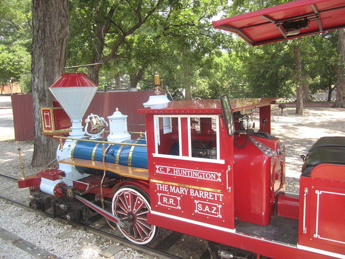 Zoo train that can be ridden in Brackenridge Park