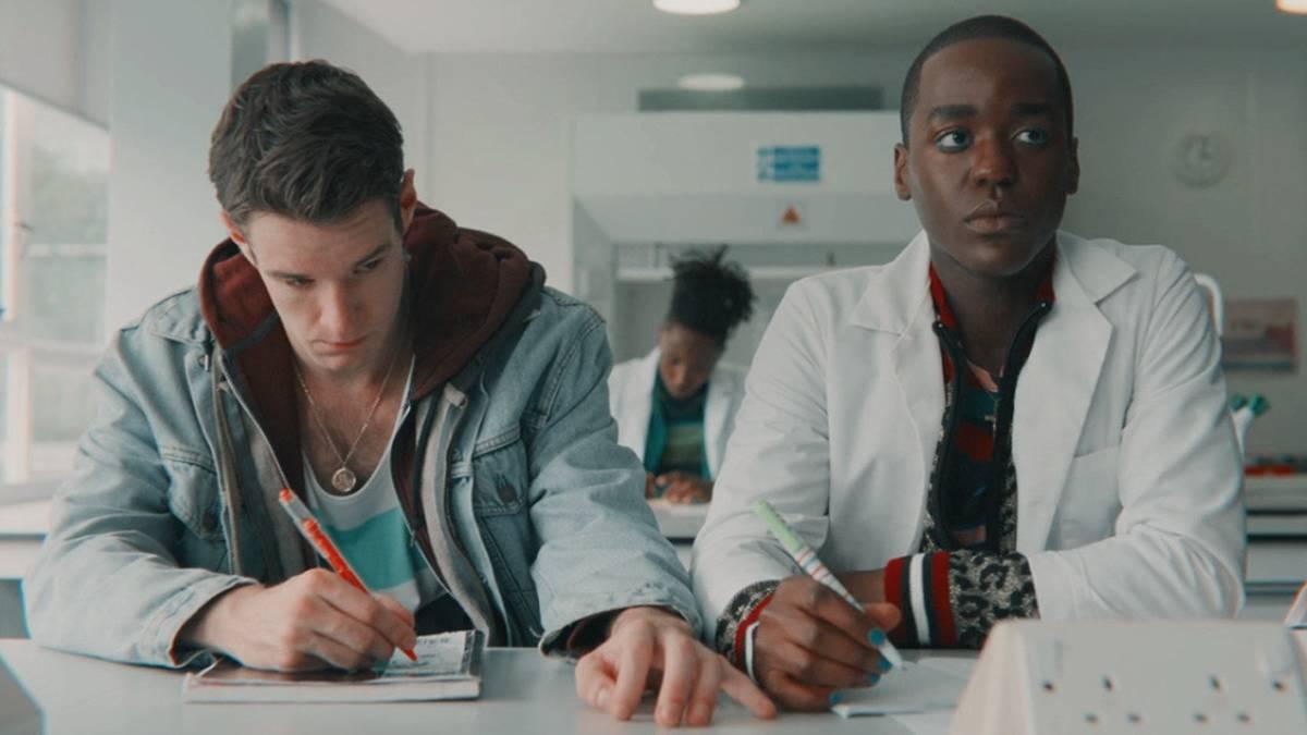 Adam (left) and Eric (right), 'Sex Education', season 1 episode 8