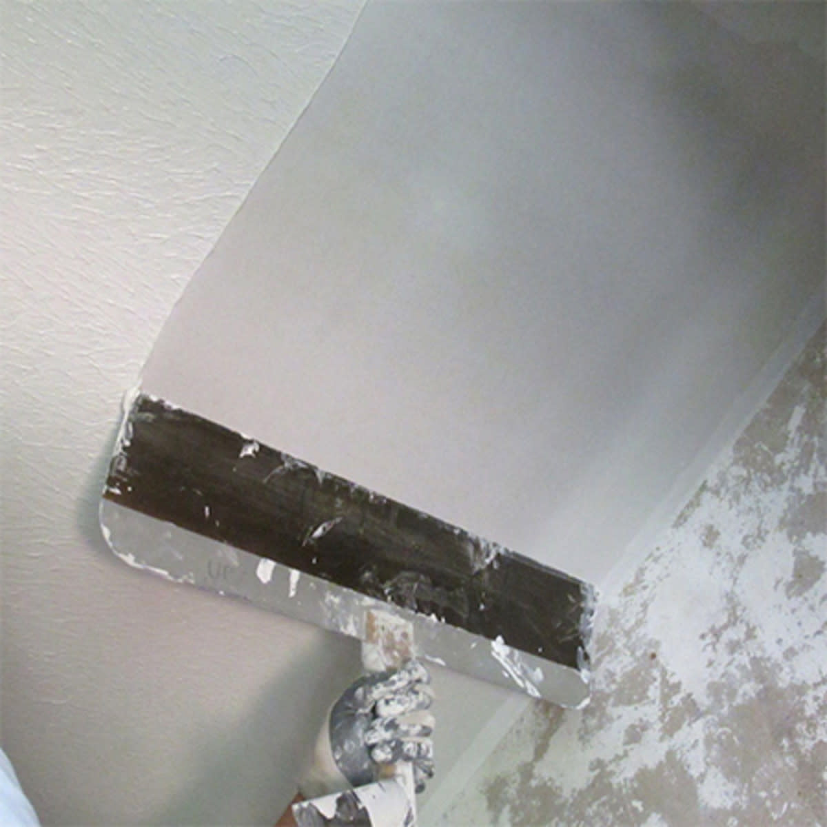 how-to-remove-a-popcorn-ceiling