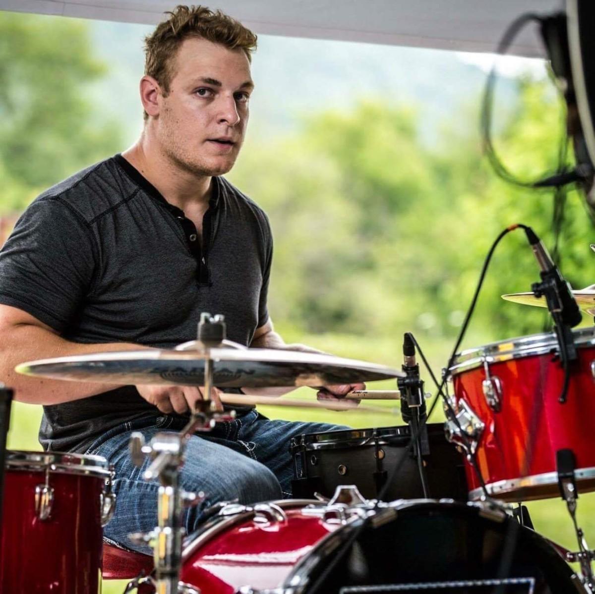 Brady Brueggen - Nashville Musicians