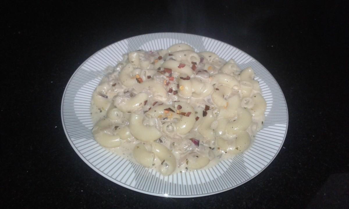 Yummy macaroni pasta with cheese sauce