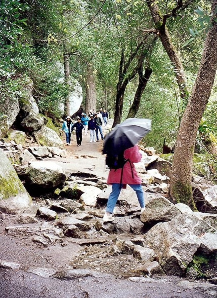 Hiking to Vernal Fall