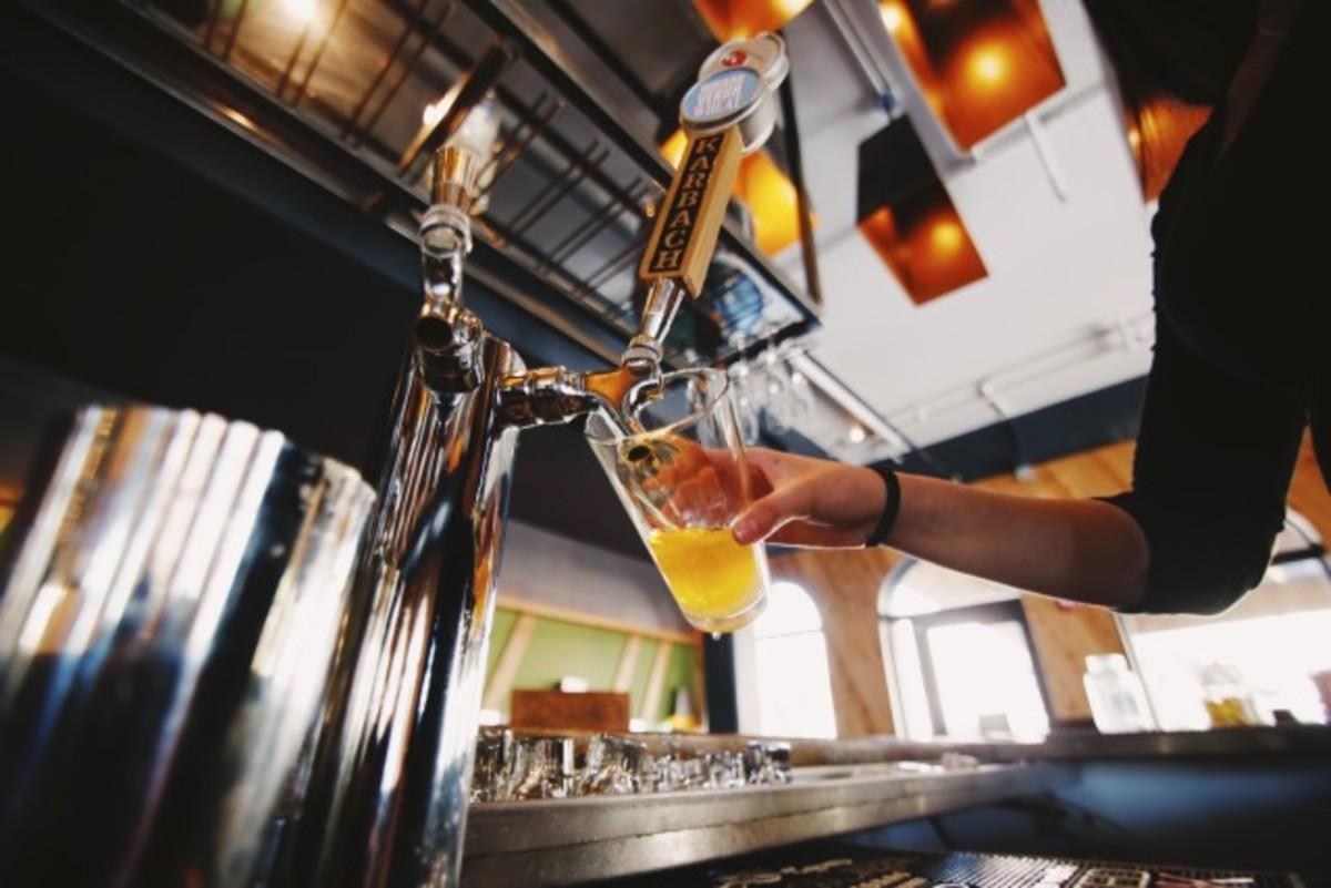 Abusing beer is just as deceptive as watching TV drinkers.