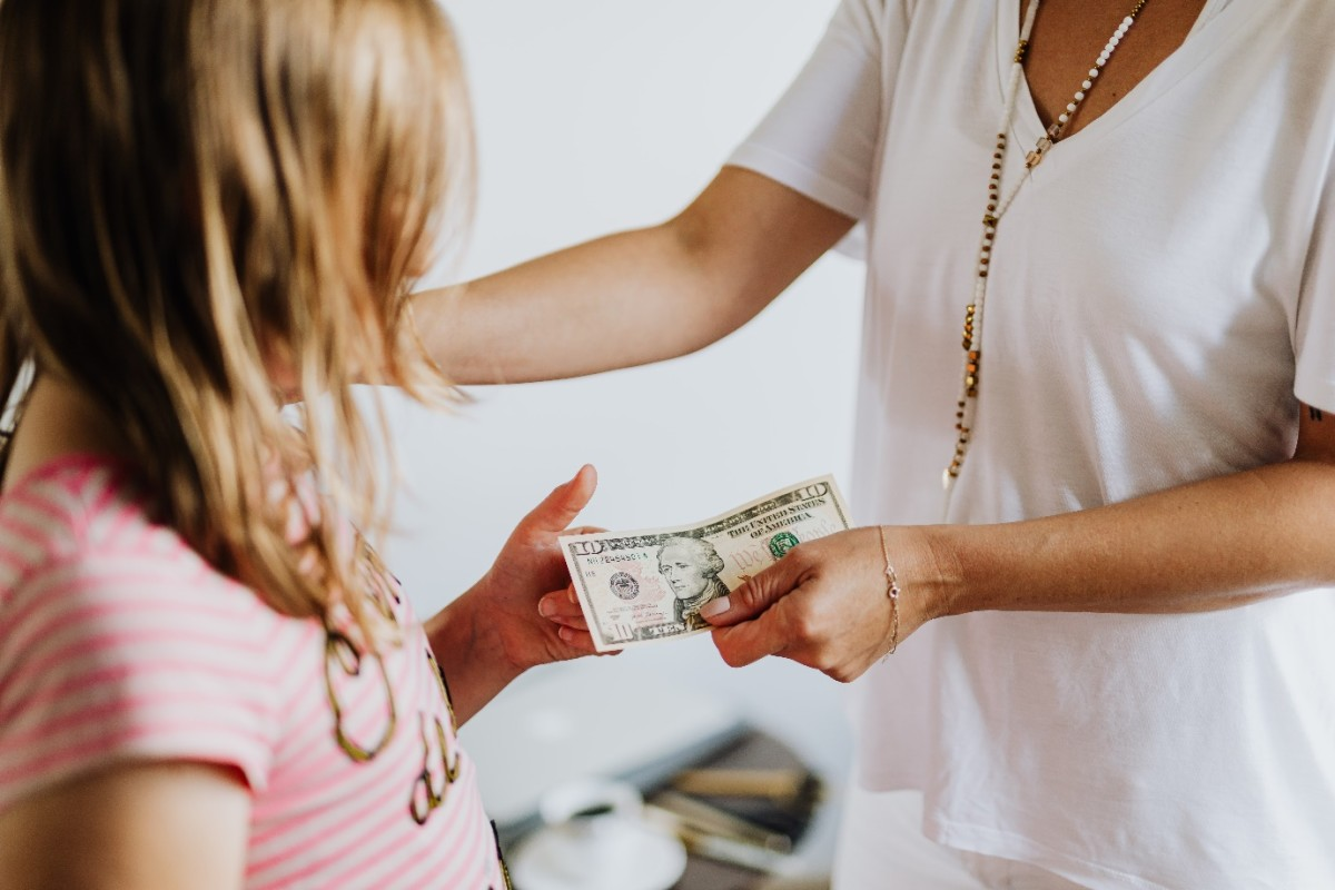 This is How to teach kids About Money: The 8 Golden Rules""