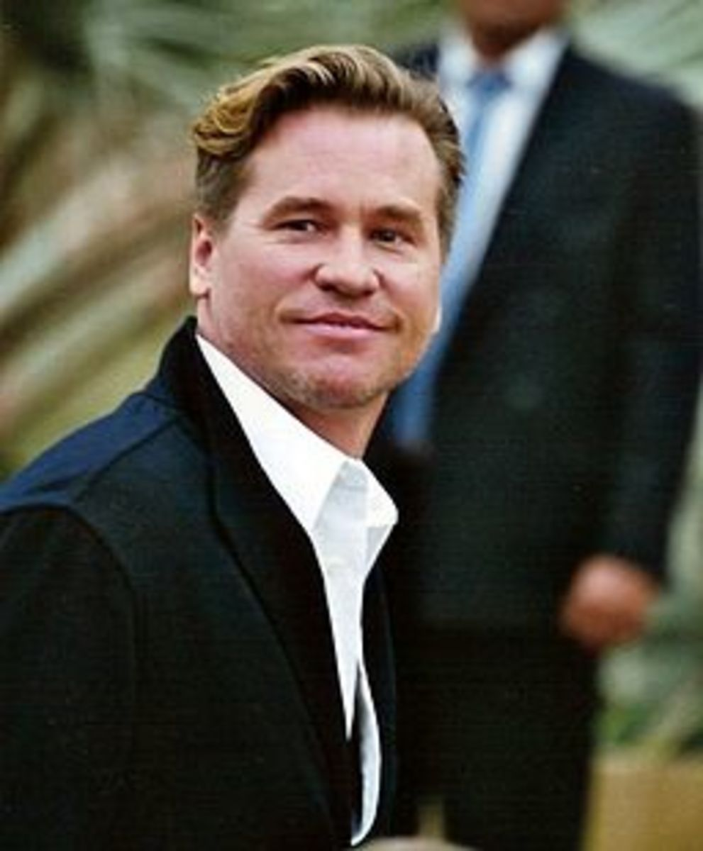 Val Kilmer is the lovable rogue, Simon Templar, in the 1997 version of The Saint