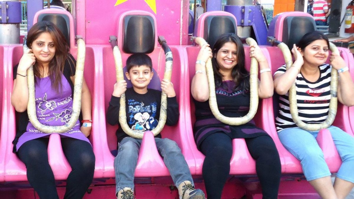 People enjoying Z-force ride at Adventure Island Rohini.