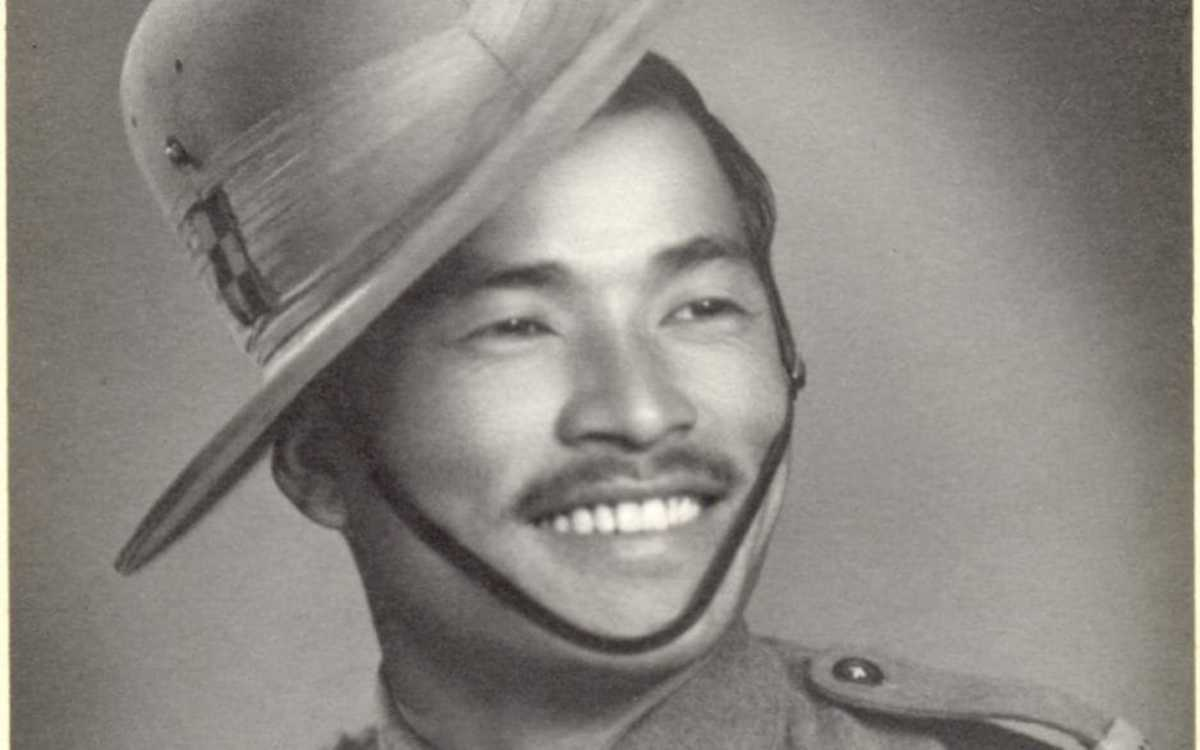 Gurkha Lachhiman Gurung, the soldier who single-handedly fought 200 Japanese soldiers despite losing an arm to a grenade.