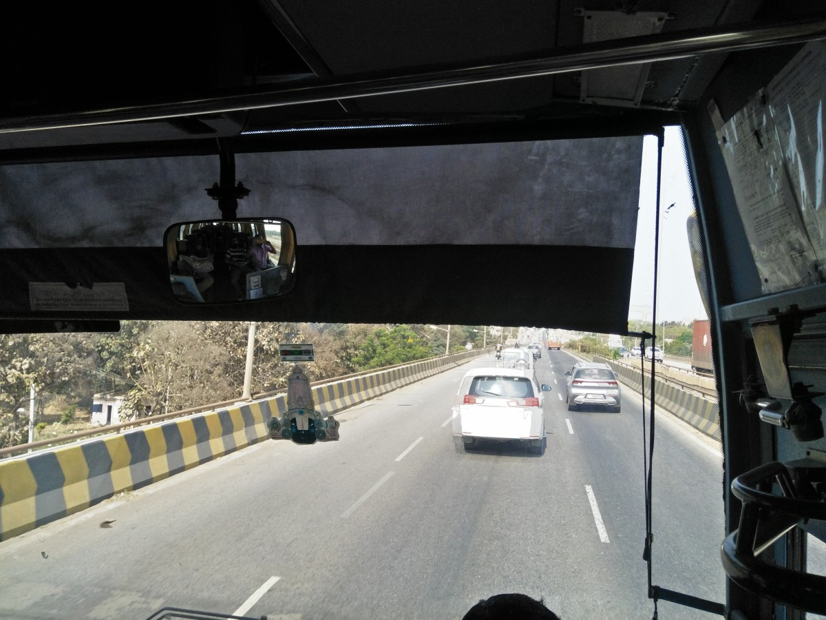 Front view of the bus from the windshield