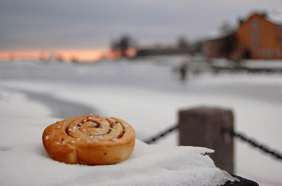 Cinnamon rolls, best enjoyed outdoors!