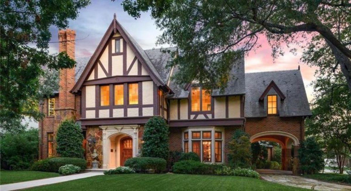 Tudor revival in the University Park, by Architect Larry E. Boerder. In 3545 Hanover Street.
