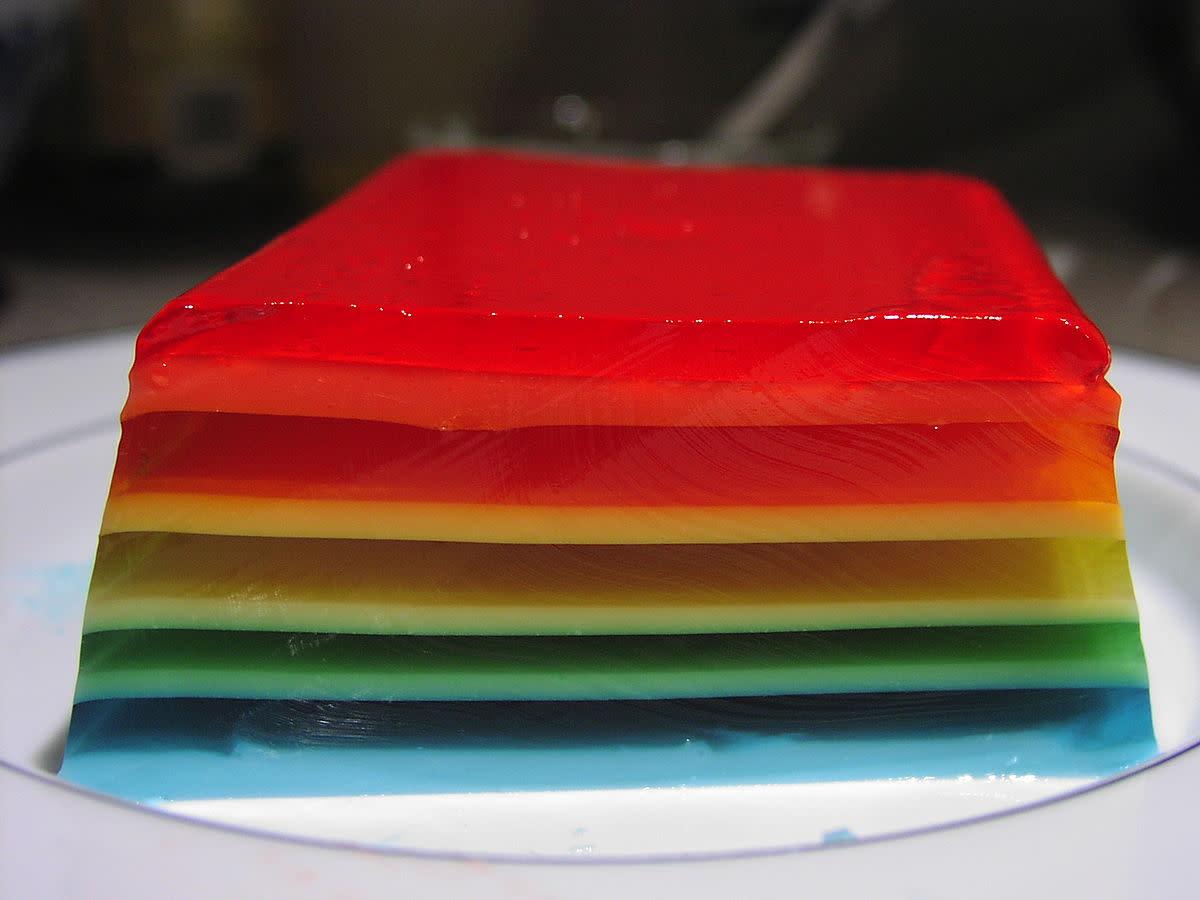 Rainbow jello cut