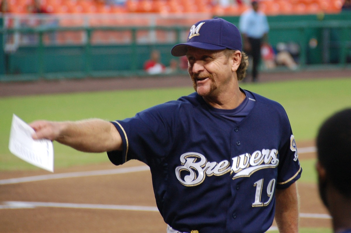 Though Robin Yount didn't spend his entire career as a shortstop, the half he did play at the position was very successful.
