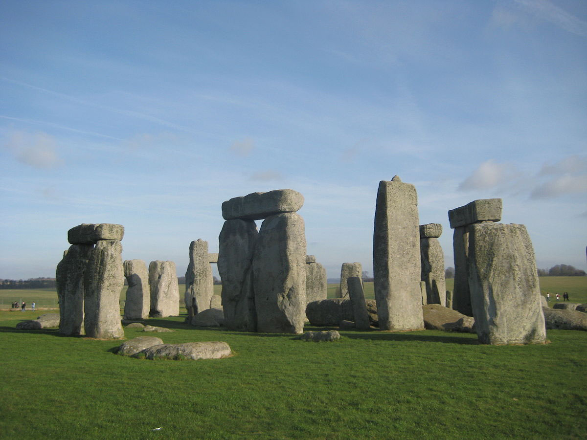 Mavratti, Stonehenge on 27.01.08, marked as public domain, more details on Wikimedia Commons