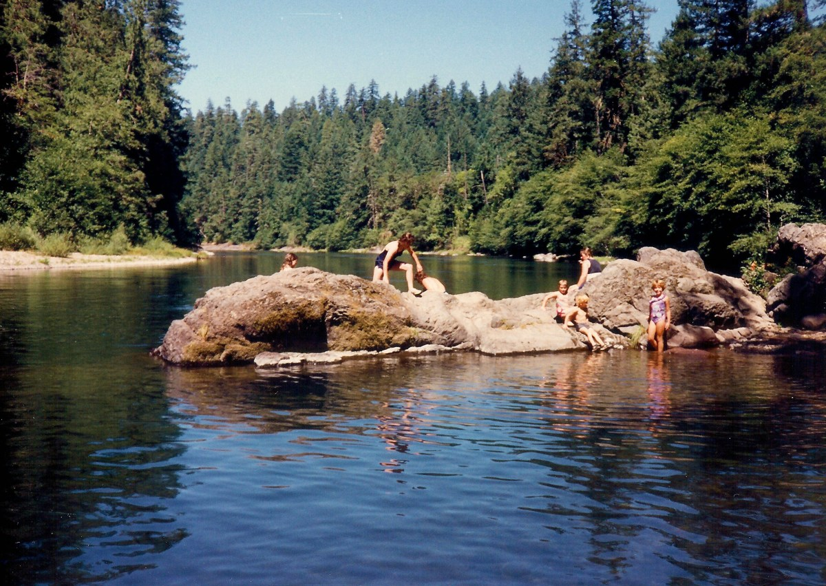 Beautiful Places to Visit in Southwestern Oregon: Umpqua River & More