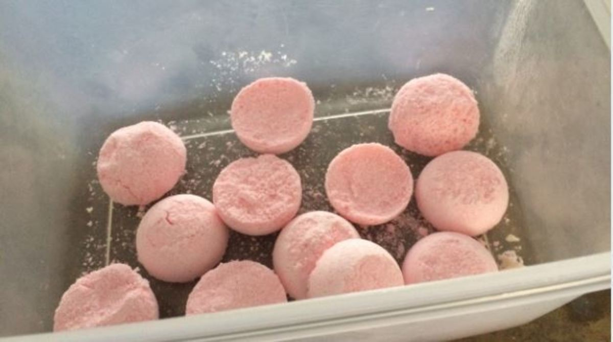 Strawberry Scent Toilet Bombs