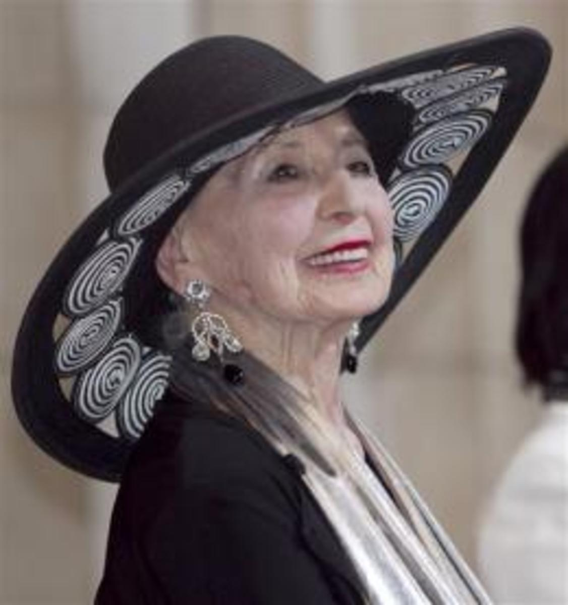 Oldest Worker Award Sally Gordon Age 101