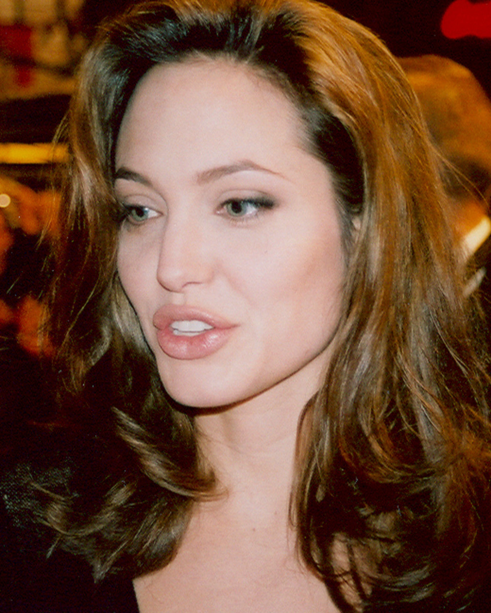 Jolie at the Cologne premiere of Alexander in 2004