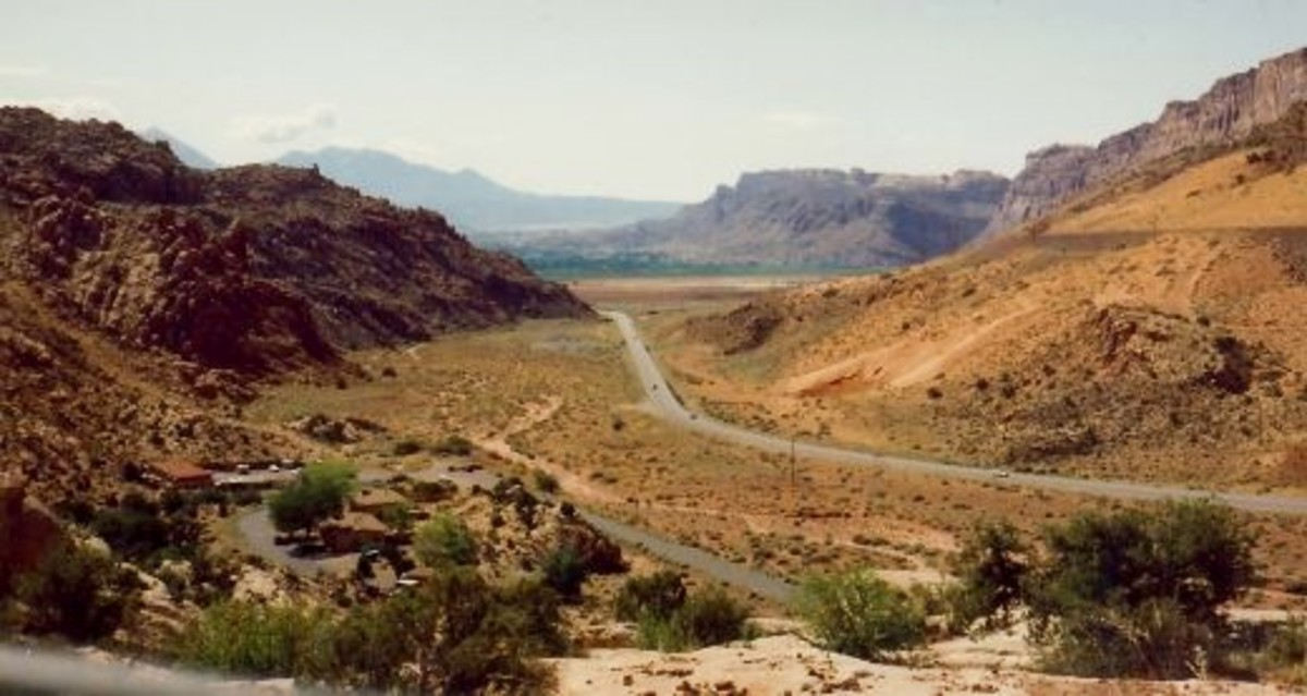 Scenery East of Capitol Reef National Park
