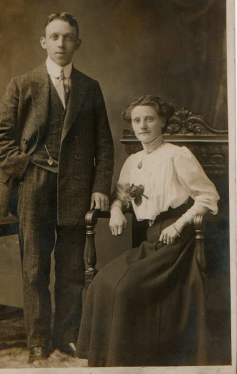 My Father's Parents (on their wedding day I think)