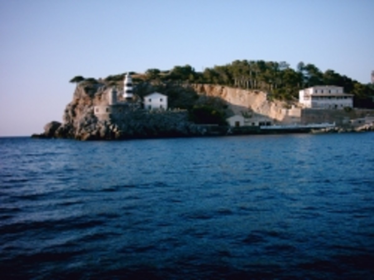 The smaller lighthouse and military base in Puerto Soller