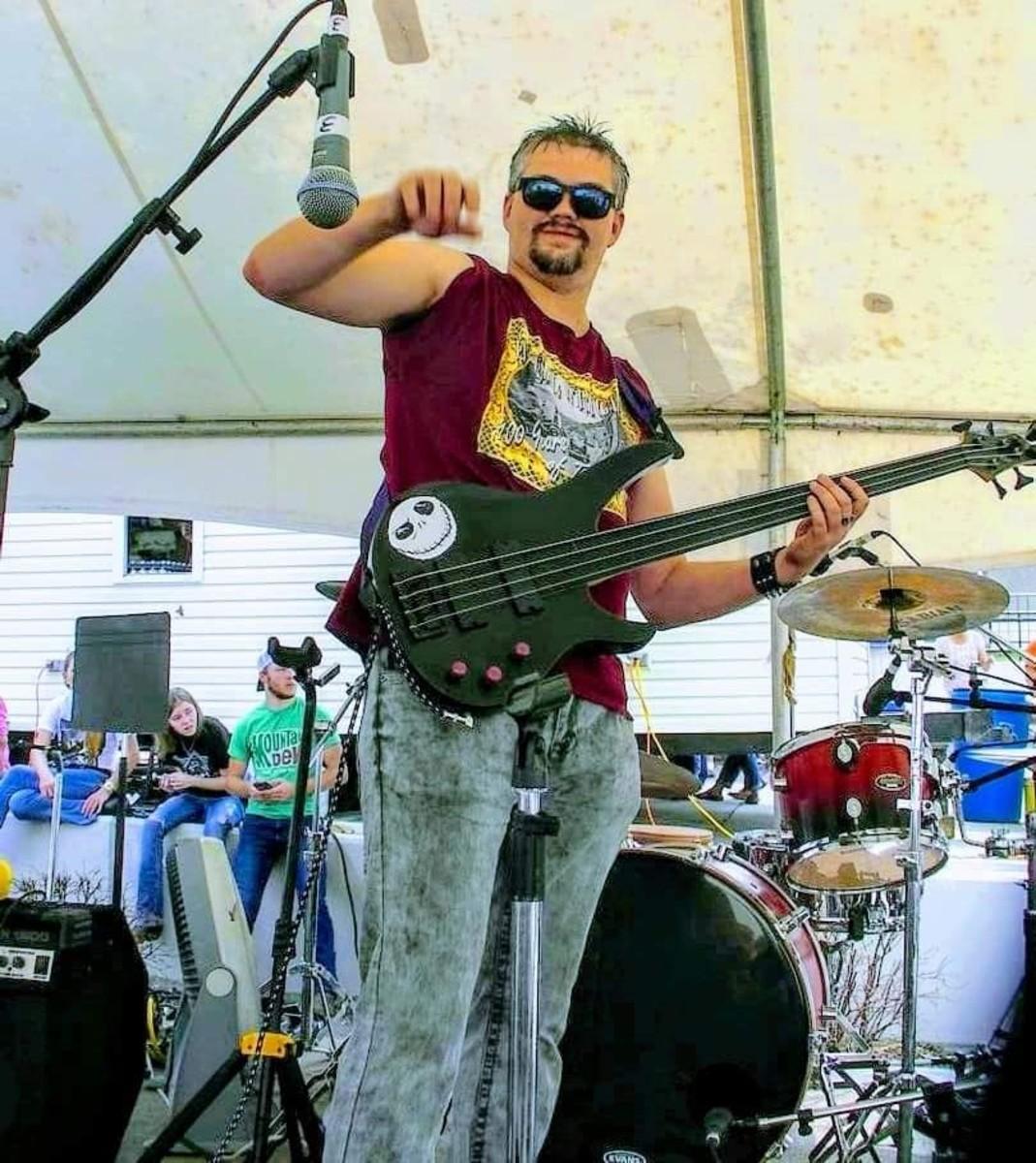 My bass is a Carlos Rubelli fretless model.