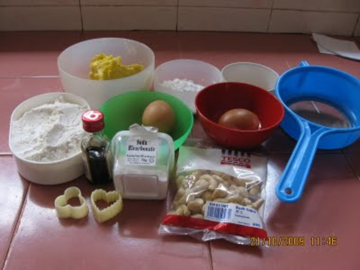 butter, vanilla, egg, flour, baking powder, sugar, cashew nuts