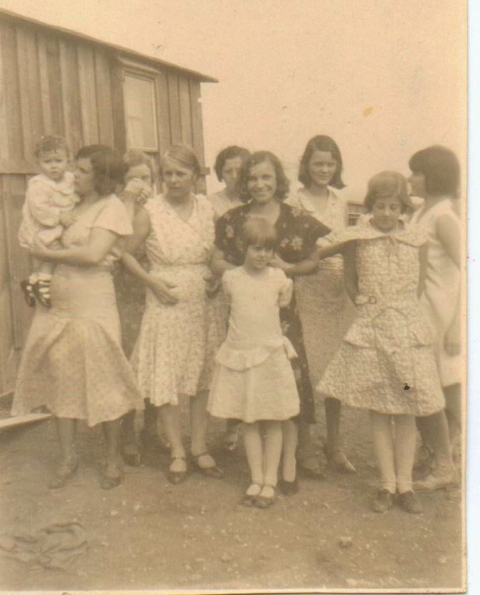 Boltes and McGhees - my mother is the younger girl in the front.