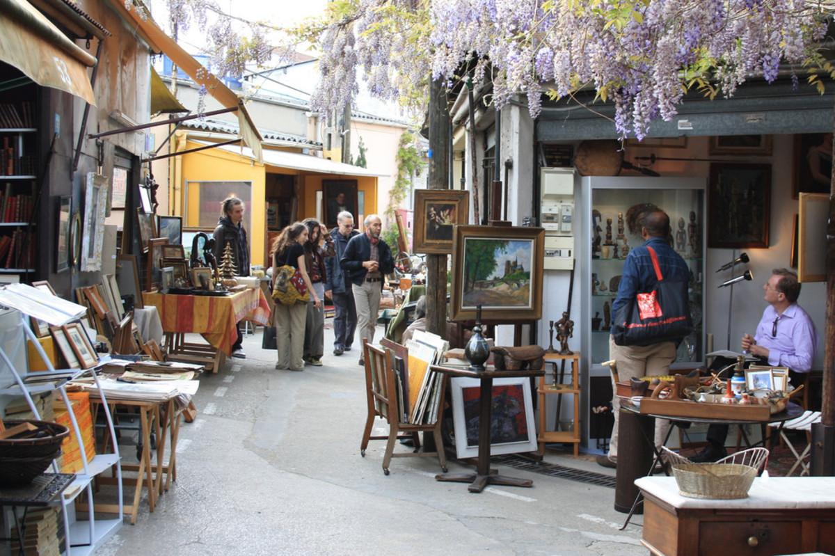 Taking a stroll through Clignancourt's market.