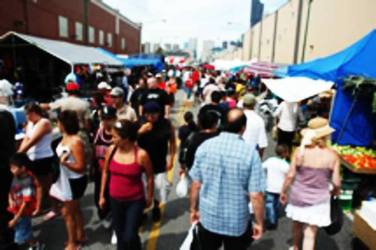 The Maxwell Street Market is a Chicago institution, featuring an eclectic mix of artisan art, resale housewares and clothes, live music, family fun, and some of the city's best street food.