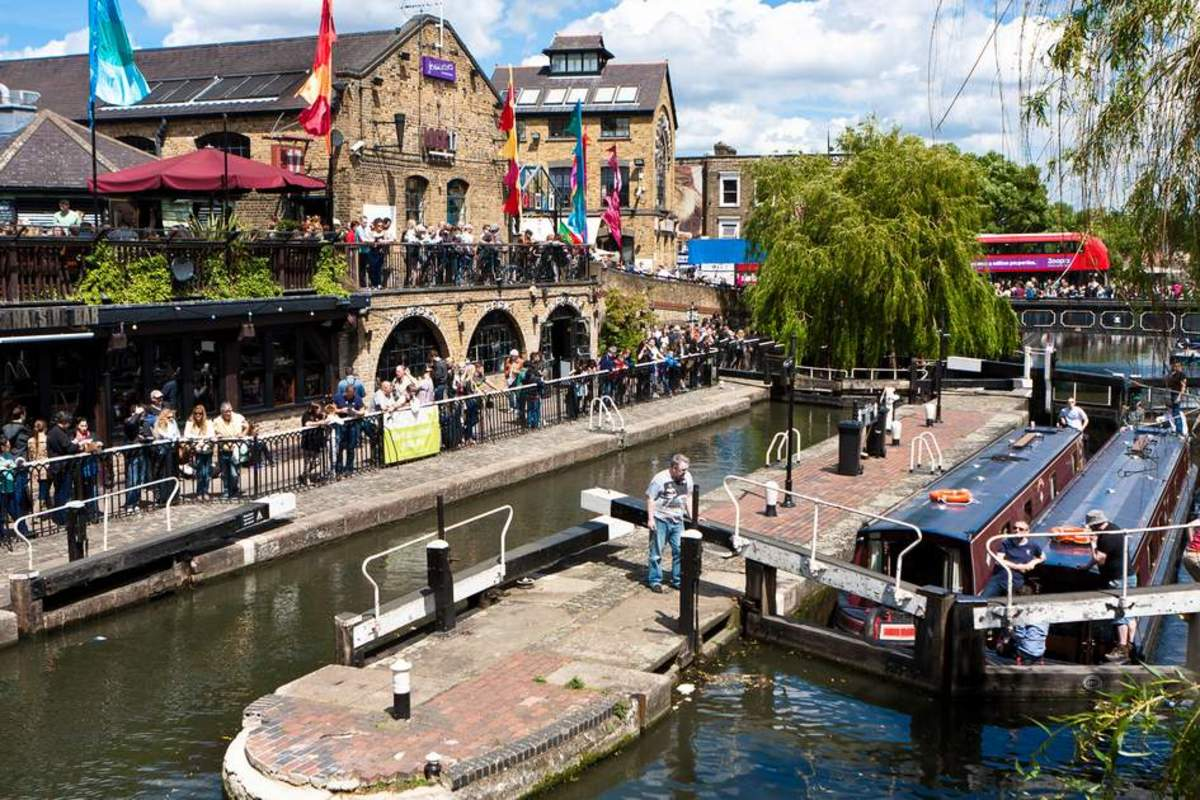 The lively Camden market and music scene is testament to its status as a distinctively alternative hub of the young and trendy.